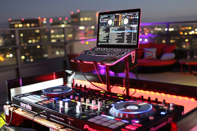 1 South rooftop SJ dj booth 3